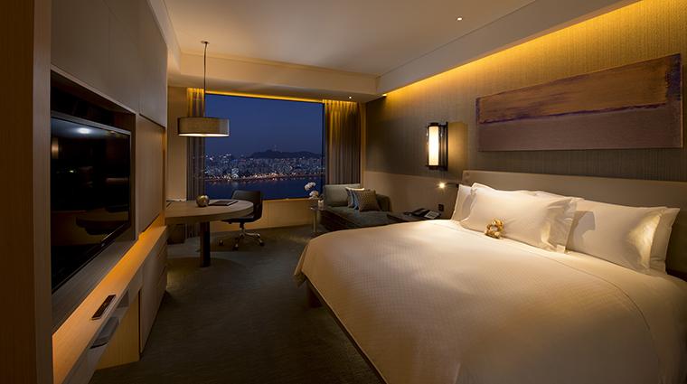 Property ConradSeoul Hotel GuestroomSuite ExecutiveRiverViewRoom HiltonWorldwide