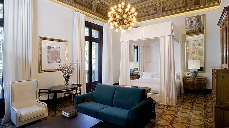 Property CottonHouseHotel Hotel GuestroomSuite DamaskSuite CottonHouseHotel