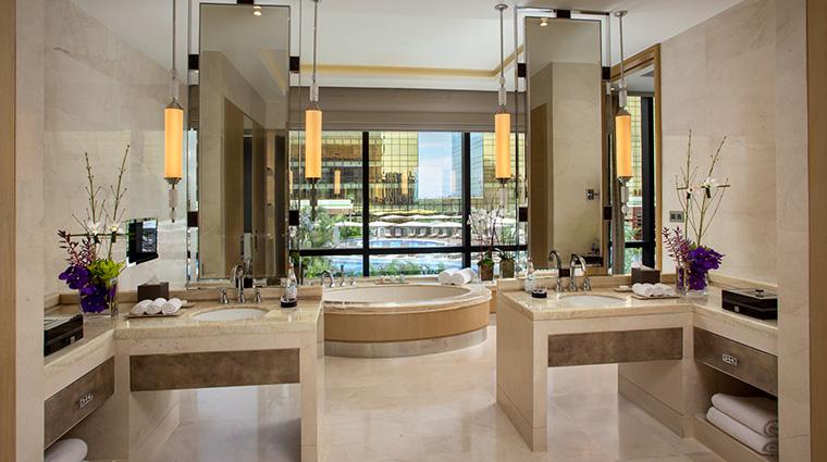 Property CrownTowersManila Hotel GuestroomSuite PresidentialVillaBathroom CityofDreamsManila