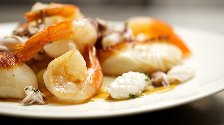 Property CrowsNest Restaurant Shrimp CreditHotelCaptainCook