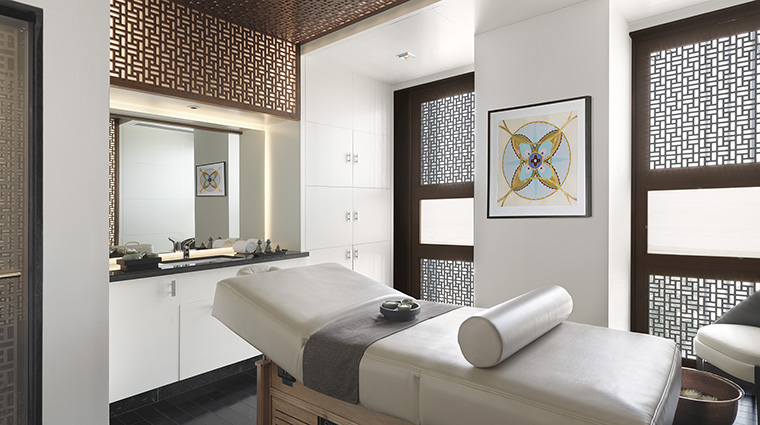 Property DahliaSpaatFourSeasonsHotelAbuDhabi Spa TreatmentRoom FourSeasonsHotelsLimited