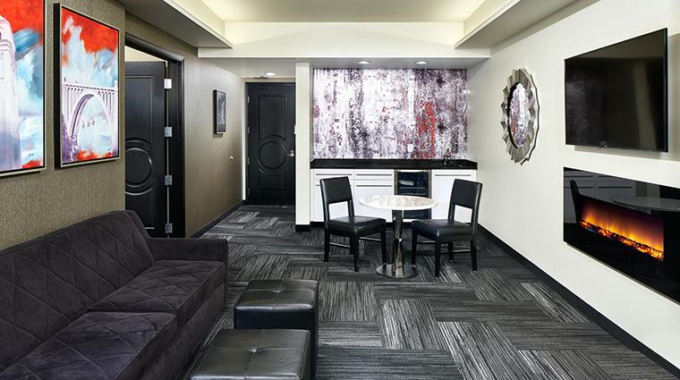 Property DavenportGrandHotel Hotel GuestroomSuite GrandPenthouseSuiteLivingArea DavenportHotelCollection