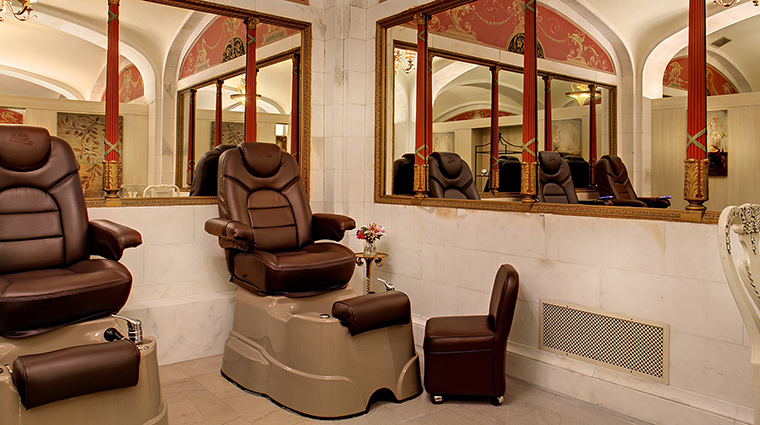 Property DavenportSpaandSalon 4 Spa Style PedicureStation CreditDavenportHotelCollection