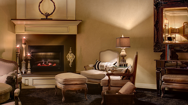 Property DavenportSpaandSalon 5 Spa Style RelaxationLoungeFireplace CreditDavenportHotelCollection