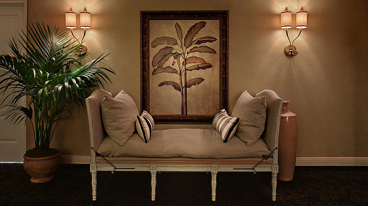 Property DavenportSpaandSalon 8 Spa Style RelaxationLoungeSeating CreditDavenportHotelCollection