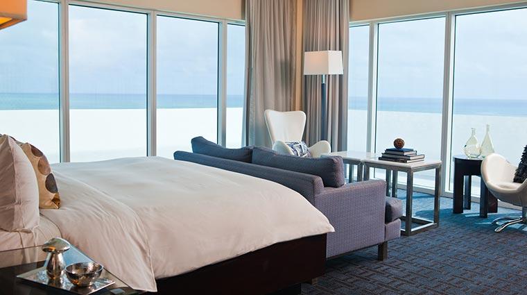 Property EdenRocMiamiBeach Hotel GuestroomSuites KingOceanView CreditEdenRocMiamiBeach