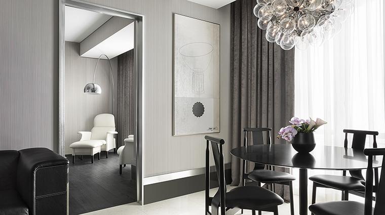 Property ExcelsiorHotelGallia Hotel GuestroomSuite DesignSuiteLivingRoom StarwoodHotels&ResortsWorldwideInc