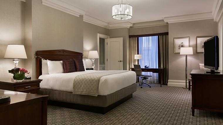 Property FairmontCopleyPlaza Hotel GeustroomSuite OneBedroomSuite FairmontRafflesHotelsInternationalInc
