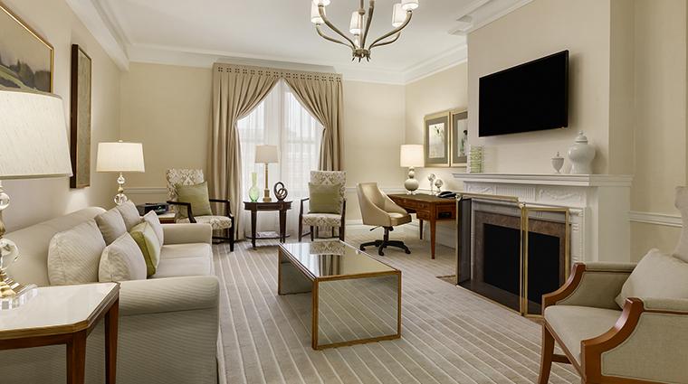 Property FairmontCopleyPlaza Hotel GeustroomSuite PresidentialSuiteLivingRoom FairmontRafflesHotelsInternationalInc