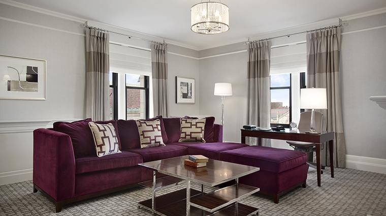 Property FairmontCopleyPlaza Hotel GeustroomSuite SignatureSuiteLivingRoom FairmontRafflesHotelsInternationalInc