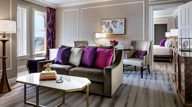 Property FairmontEmpress Hotel GuestroomSuite FairmontGoldOneBedroomSuiteLivingRoom FRHI