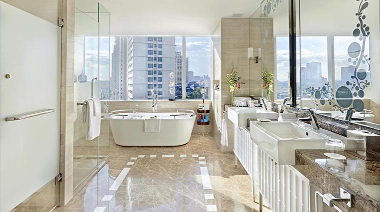 Property FairmontMakati Hotel GuestroomSuite SuiteBathroom FRHI