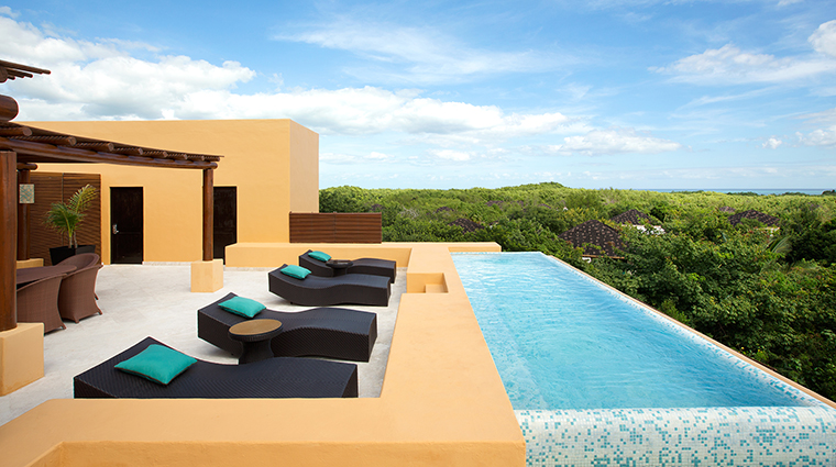 Property FairmontMayakobaRiveriaMaya Hotel GuestroomSuite BambuSpecialtySuiteTerrace&Pool FRHI