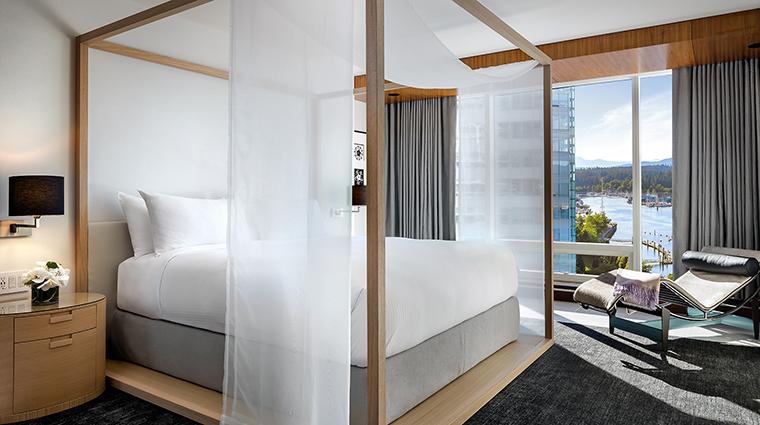 Property FairmontPacificRim Hotel GuestroomSuite OwnersSuiteBedroom FRHIHotels&Resorts