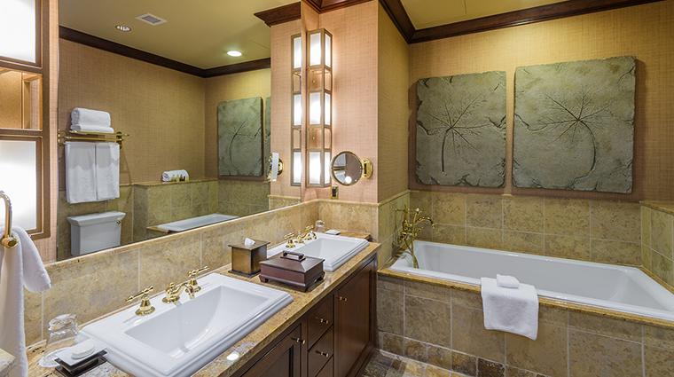 Property FallingRockatNemacolinWoodlandsResort Hotel GuestroomSuite GuestBathroom NemacolinWoodlandsResort