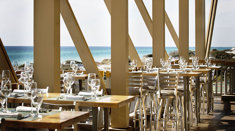 Property FishOutOfWater Restaurant Dining OutdoorDining2 StJoeClub&Resorts