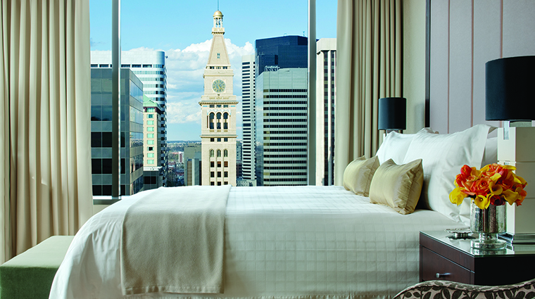 Property FourSeasonsDenver Hotel GuestroomSuite SuperiorRoomwithView FourSeasonsHotelsLimited