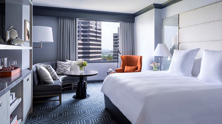 Property FourSeasonsHotelAtlanta Hotel GuestroomSuite MidtownDeluxeGuestroom2 FourSeasonsHotelsLimited