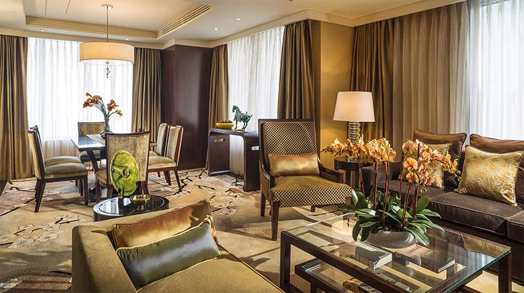 Property FourSeasonsHotelBeijing 9 Hotel GuestroomSuite ChairmanSuite LivingRoom CreditFourSeasons