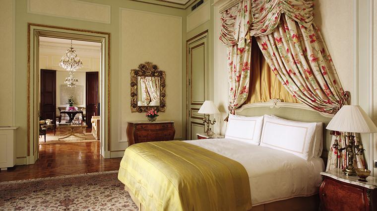 Property FourSeasonsHotelBuenosAires Hotel GuestroomSuite LaMansionPresidentialSuiteBedroom FourSeasonsHotelsLimited