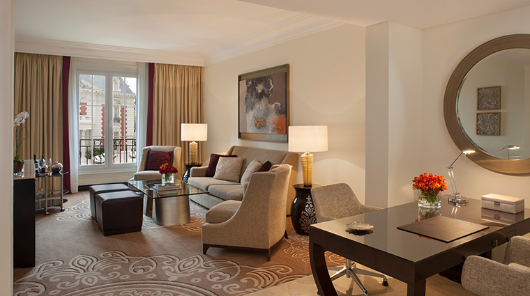 Property FourSeasonsHotelBuenosAires Hotel GuestroomSuite MansionViewOneBedroomSuite FourSeasonsHotelsLimited