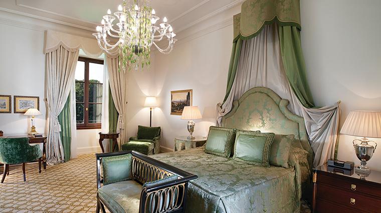 Property FourSeasonsHotelFirenze Hotel GuestroomSuite DuomoDuplexSuiteBedroom FourSeasonsHotelsLimited