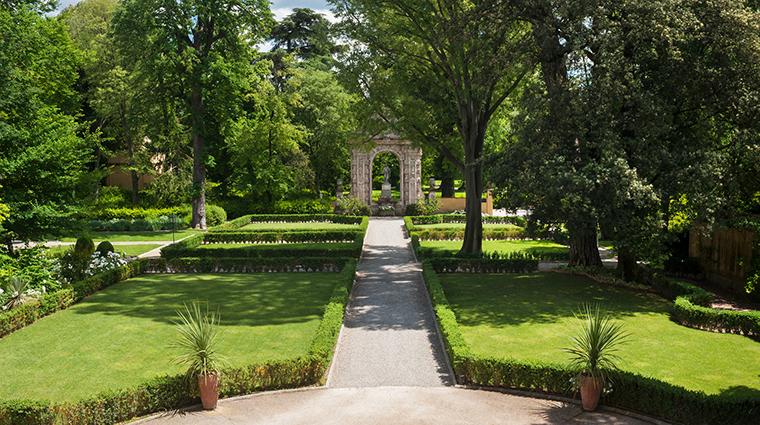 Property FourSeasonsHotelFirenze Hotel PublicSpaces Garden FourSeasonsHotelsLimited