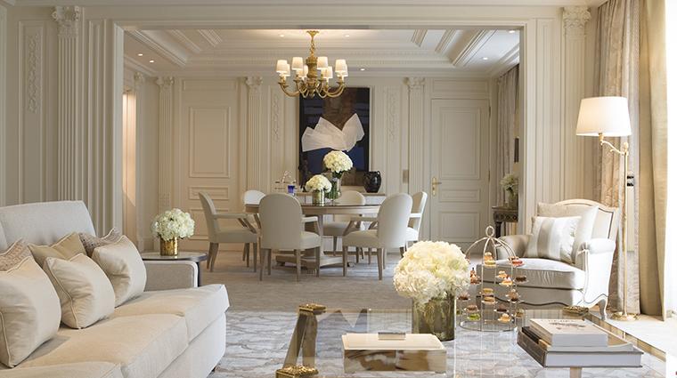 Property FourSeasonsHotelGeorgeVParis Hotel GuestroomSuite PresidentialSuiteLiving&DiningRoom FourSeasonsHotelsLimited