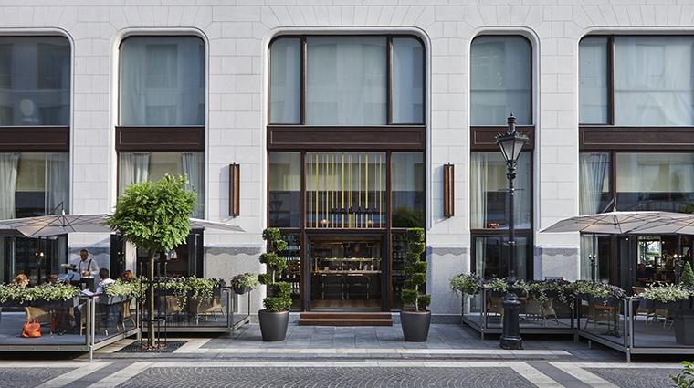 Property FourSeasonsHotelGreshamPalace Hotel Dining KollazsBrasserie&BarExterior FourSeasonsHotelsLimited