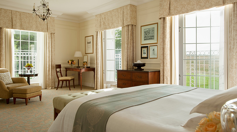 Property FourSeasonsHotelHampshire Hotel GuestroomSuite BelvedereSuite FourSeasonHotelsLimited