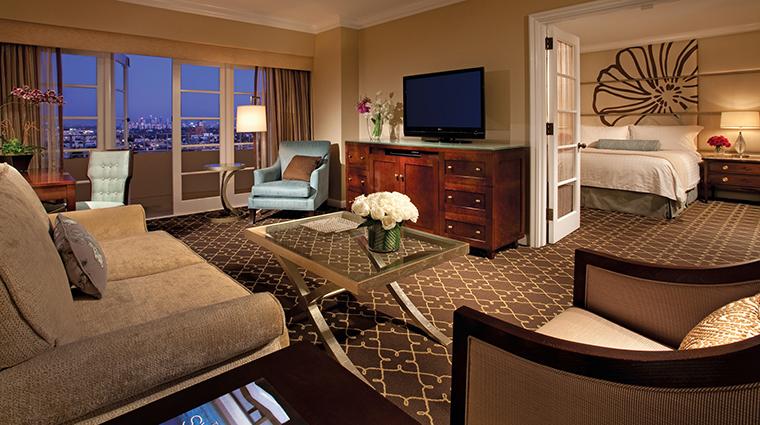 Property FourSeasonsHotelLosAngelesatBeverlyHills Hotel GuestroomSuite LuxurySuiteLivingRoom FourSeasonsHotelsLimited