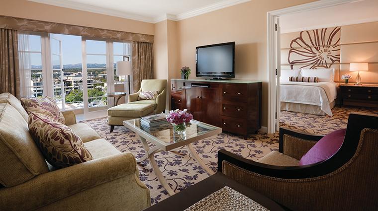 Property FourSeasonsHotelLosAngelesatBeverlyHills Hotel GuestroomSuite OneBedroomSuiteLivingRoom FourSeasonsHotelsLimited