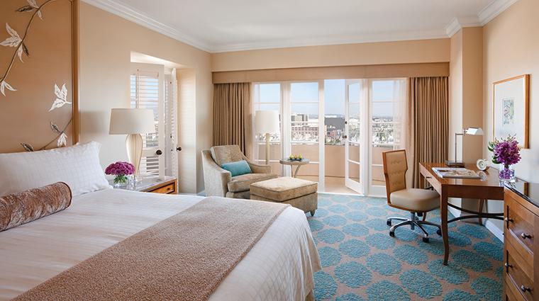 Property FourSeasonsHotelLosAngelesatBeverlyHills Hotel GuestroomSuite PremierBalconyRoom FourSeasonsHotelsLimited