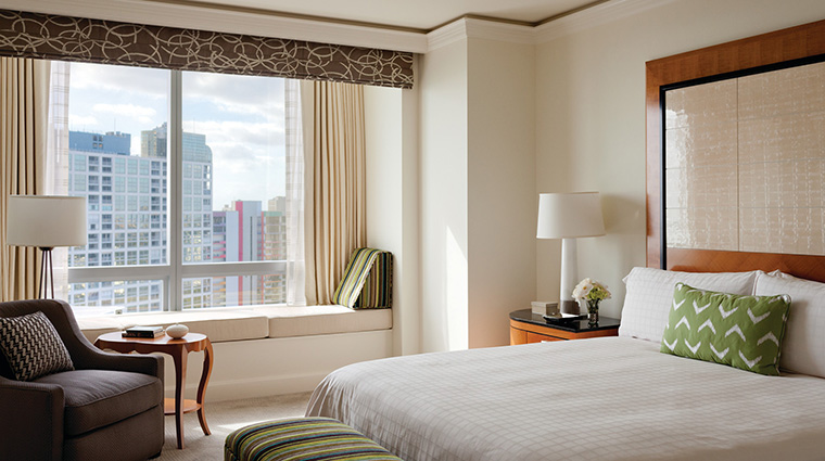 Property FourSeasonsHotelMiami Hotel GuestroomSuite DeluxeCityViewRoom FourSeasonsHotelsLimited