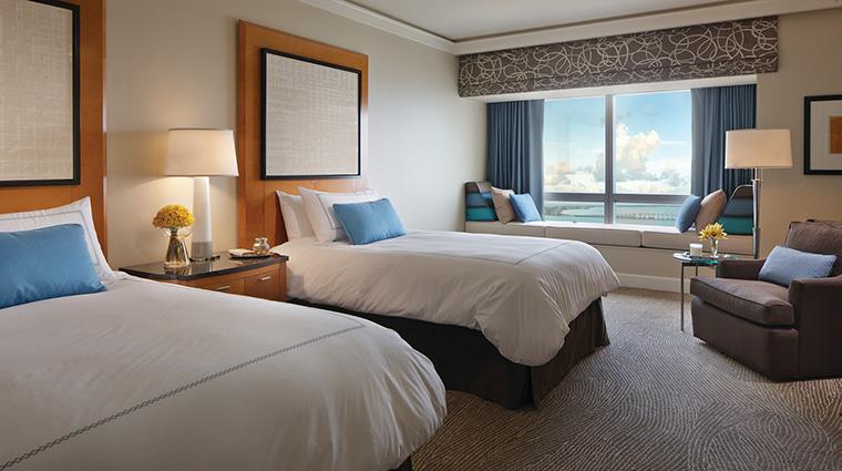 Property FourSeasonsHotelMiami Hotel GuestroomSuite PremierBayViewRoom FourSeasonsHotelsLimited