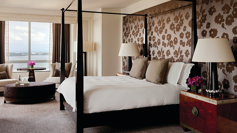Property FourSeasonsHotelMiami Hotel GuestroomSuite PresidentialSuiteBedroom FourSeasonsHotelsLimited