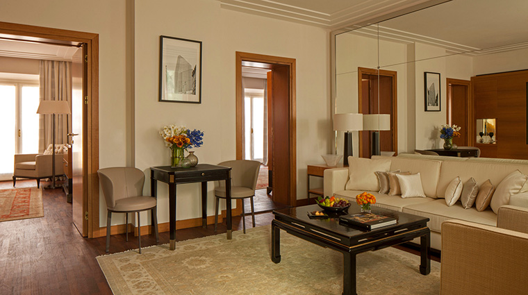 Property FourSeasonsHotelMilano Hotel GuestroomSuite ExecutiveSuite FourSeasonsHotelsLimited