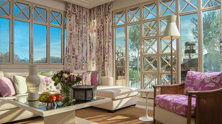 Property FourSeasonsHotelMilano Hotel GuestroomSuite PenthouseSuiteLivingRoom FourSeasonsHotelsLimited