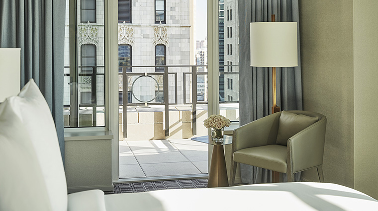 Property FourSeasonsHotelNewYorkDowntown Hotel GuestroomSuite GothamSuiteBalcony FourSeasonsHotelsLimited