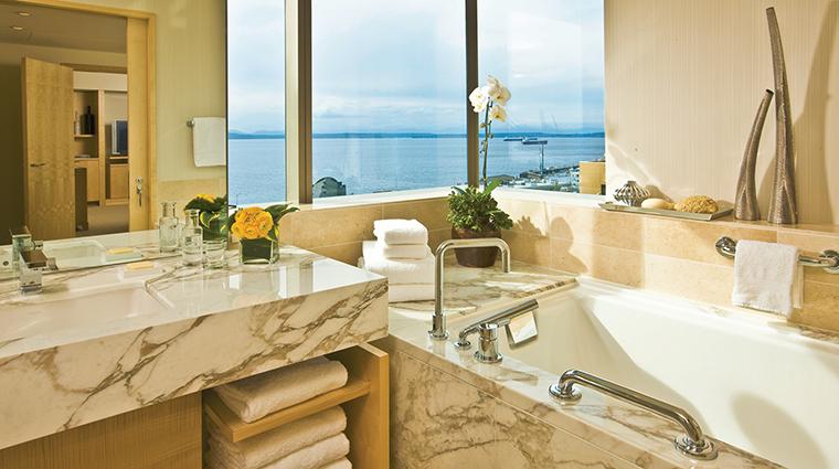Property FourSeasonsHotelSeattle Hotel GuestroomSuite GovernorsSuiteBathroom FourSeasonsHotelsLimited