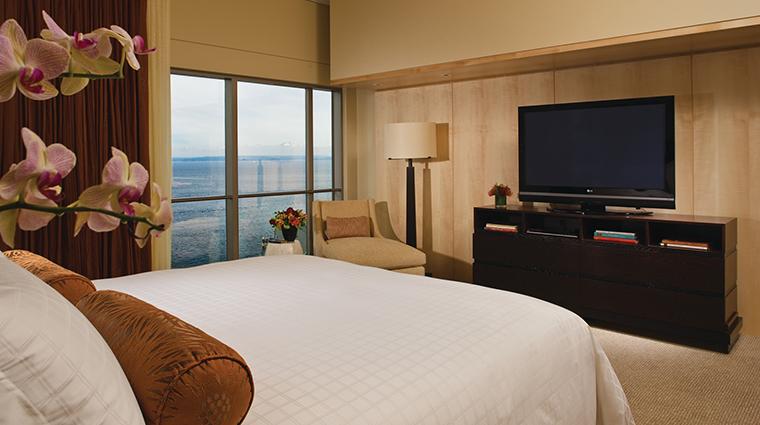 Property FourSeasonsHotelSeattle Hotel GuestroomSuite PresidentialSuiteBedroom FourSeasonsHotelsLimited