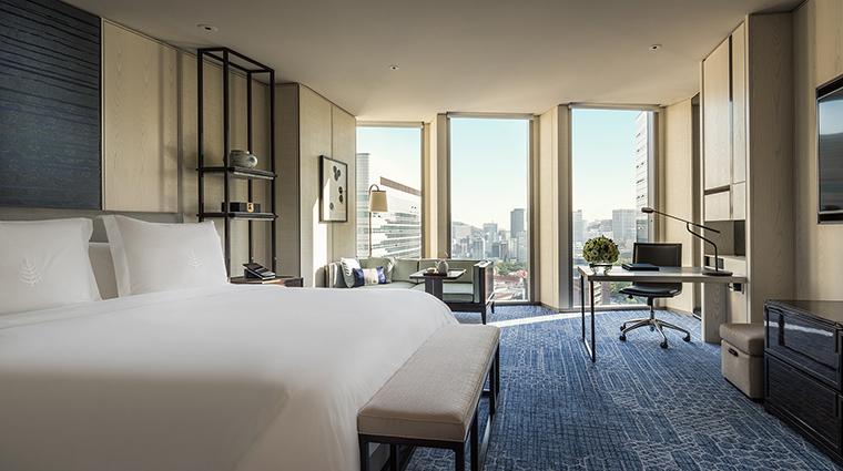 Property FourSeasonsHotelSeoul Hotel GuestroomSuite DeluxeKing FourSeasonsHotelsLimited