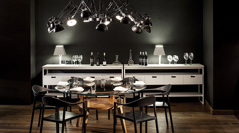 Property FourSeasonsHotelSydney Hotel Dining PeiModernDiningTable FourSeasonsHotelsLimited