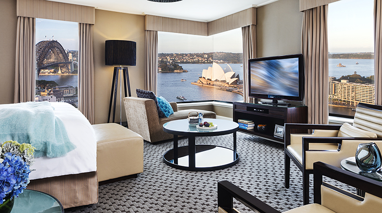 Property FourSeasonsHotelSydney Hotel GuestroomSuite FullHarbourViewJuniorSuite FourSeasonsHotelsLimited