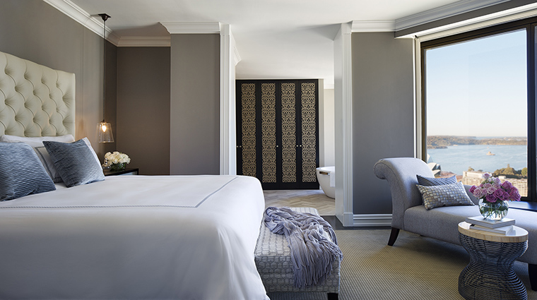 Property FourSeasonsHotelSydney Hotel GuestroomSuite RoyalSuiteBedroom FourSeasonsHotelsLimited