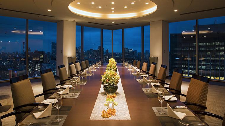 Property FourSeasonsHotelTokyoAtMarunouchi Hotel Dining ExecutiveDiningRoom FourSeasonsHotelsLimited