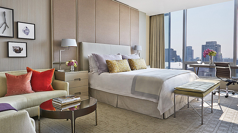 Property FourSeasonsHotelToronto Hotel GuestroomSuite PresidentialSuiteBedroom FourSeasonsHotelsLimited