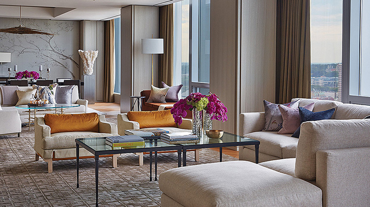 Property FourSeasonsHotelToronto Hotel GuestroomSuite RoyalSuiteLivingRoom FourSeasonsHotelsLimited