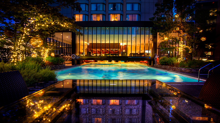 Property FourSeasonsHotelVancouver PublicSpaces IndoorOutdoorSwimmingPool FourSeasonsHotelsLimited