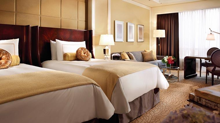 Property FourSeasonsMacau Hotel GuestroomSuites DeluxeRoom CreditFourSeasons